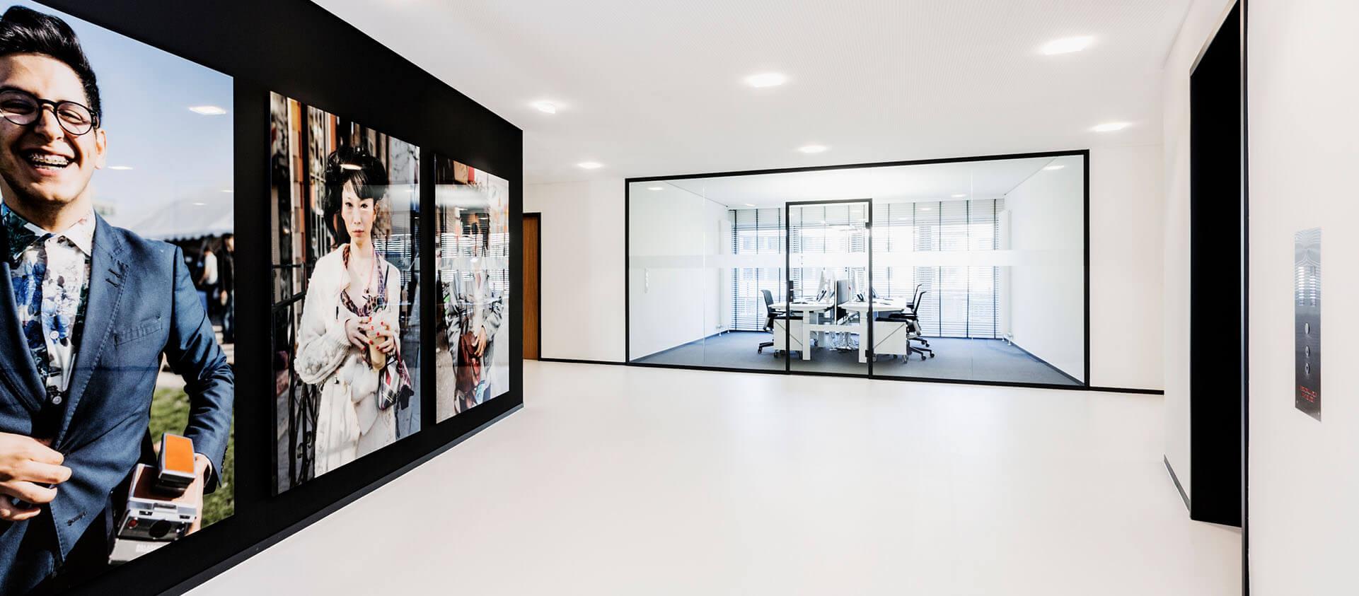 Bürogebäude geplant von Florian + Eberhard Horn, Eingangsbereich, Office, Aufzüge