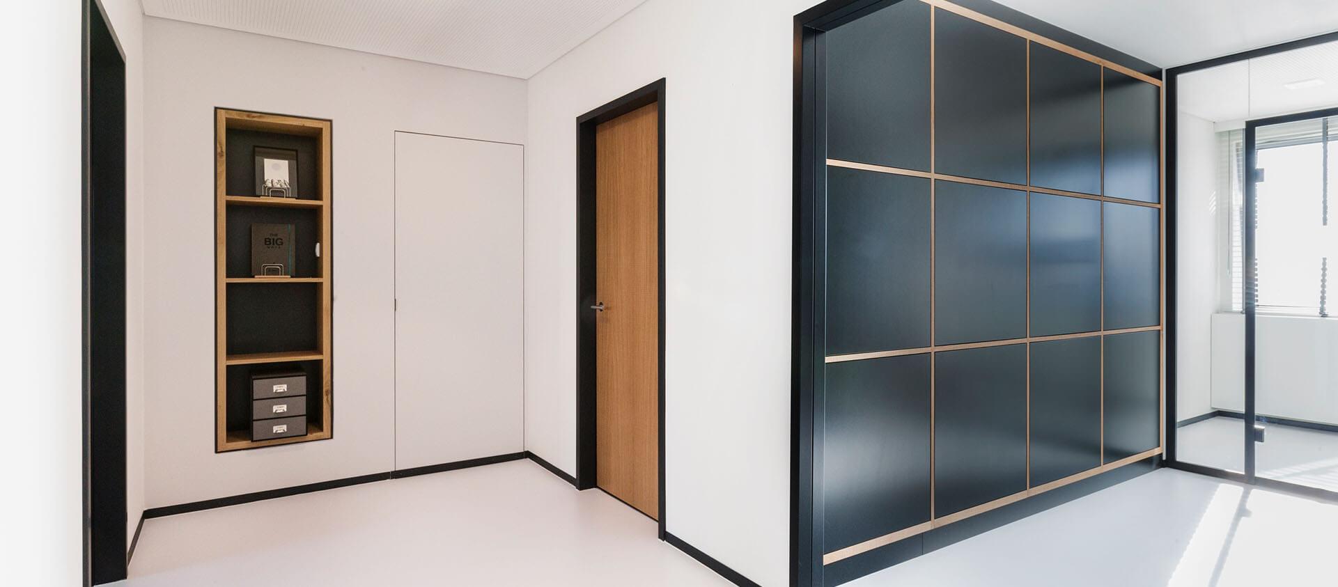 Bürogebäude geplant von Florian + Eberhard Horn, Flur, Druckerraum