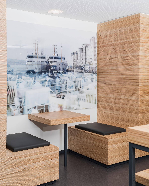 Bürogebäude geplant von Florian + Eberhard Horn, Sitzecke Mitarbeiter