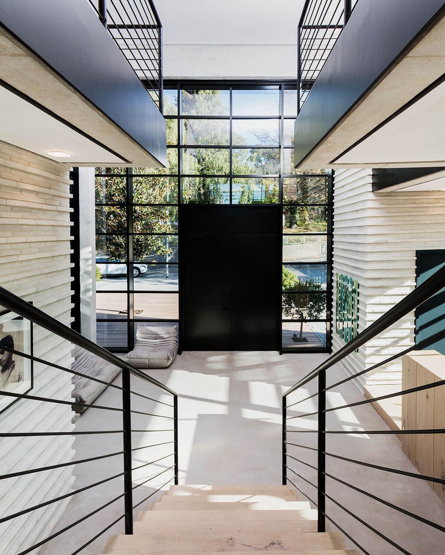 Blick auf Eingangdes Büros für Architektur und Projektentwicklung - Eberhard und Florian Horn