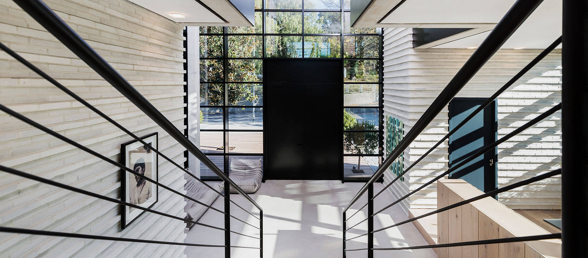 Blick auf Eingangsbereich des Büros für Architektur und Projektentwicklung - Eberhard und Florian Horn