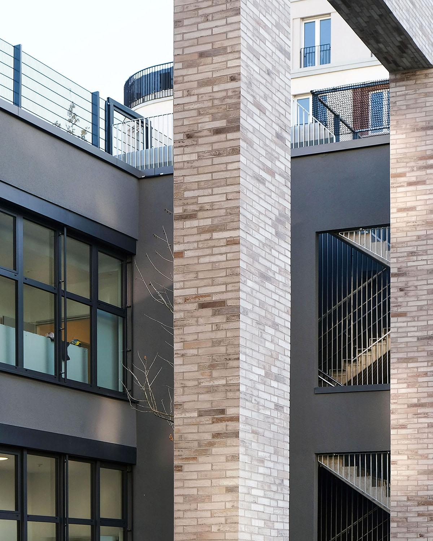 Internationale Kita als Brückebauwerk Architektur Eberhard + Florian Horn GmbH - hochkant