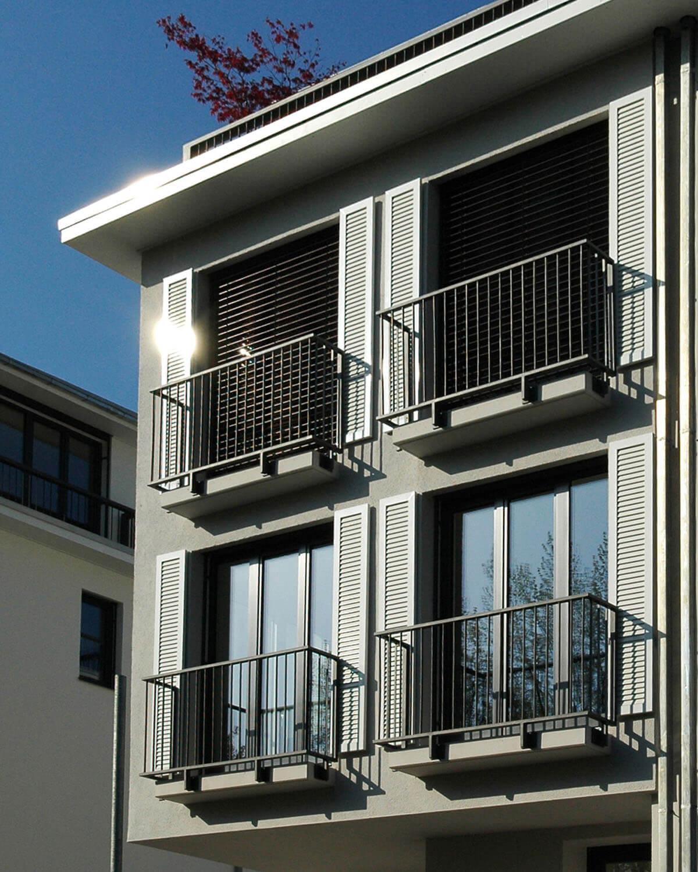Einzelnes Townhouse mit französischem Balkon