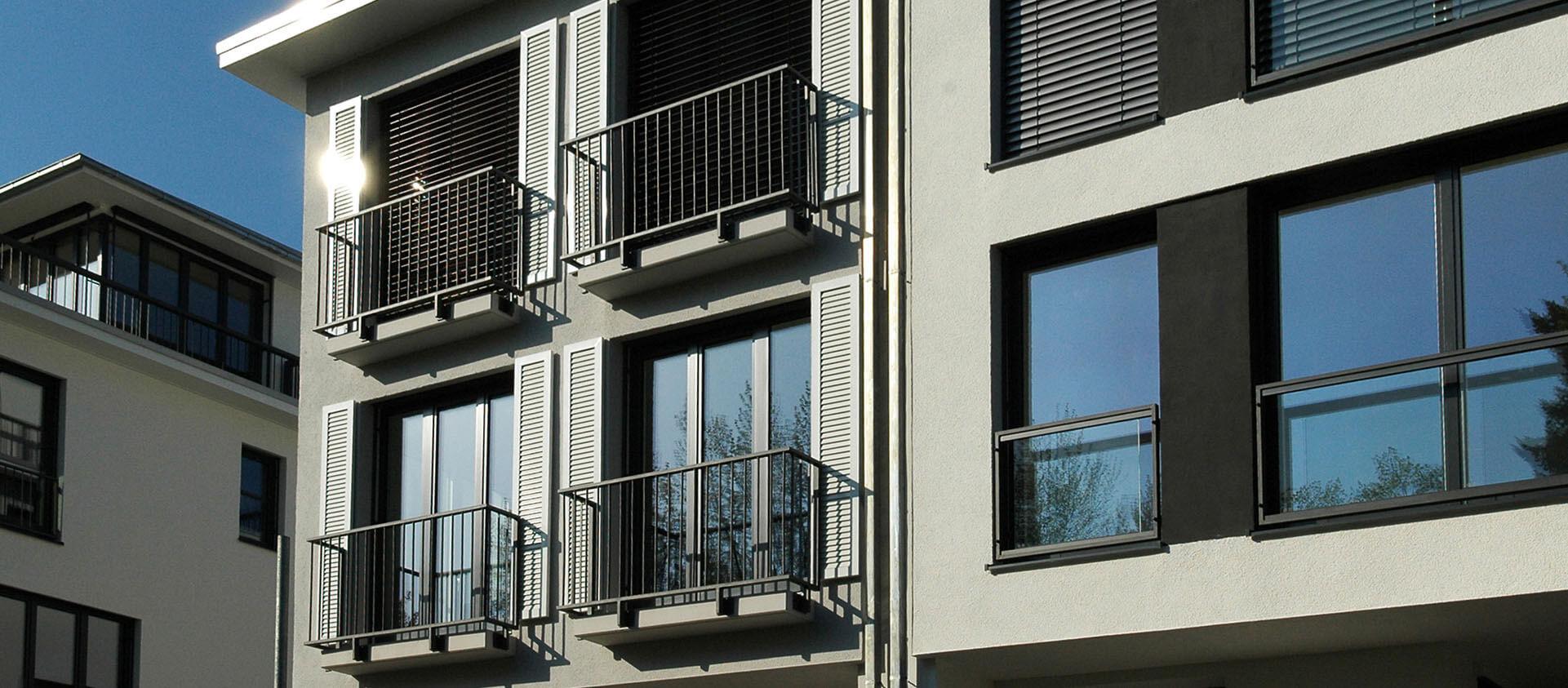 Einzelnes Townhouse mit französischem Balkon in Bad Soden, Architektur und Projektplanung Eberhard Horn Designgruppe